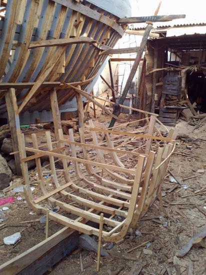 2013-10-19-26-agadir-le-port-les-chantiers-navals-bois-15.jpg