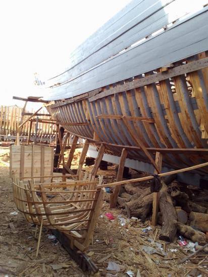 2013-10-19-26-agadir-le-port-les-chantiers-navals-bois-16.jpg