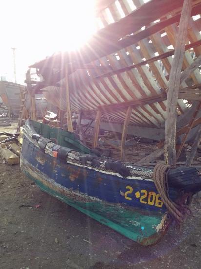 2013-10-19-26-agadir-le-port-les-chantiers-navals-bois-4.jpg